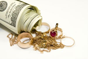 gold-jewellery-and-money-300